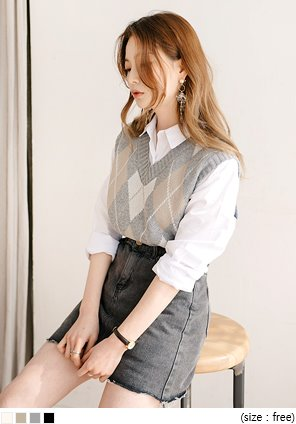 [OUTER] POSH ARGYLE V NECK VEST