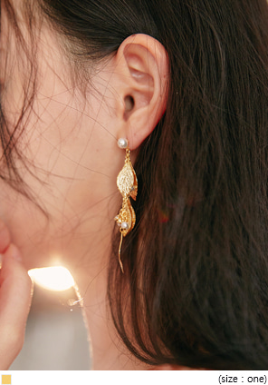 [JEWELRY] GOLD LEAF PEARL MIX EARRING