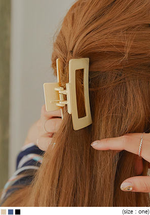 [ACC] FILEN SQUARE GLOSS HAIR CLIP