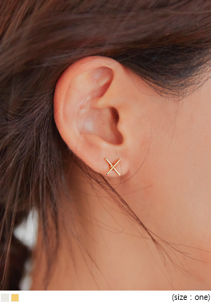 [JEWELRY] HOLIDAY X POINT EARRING