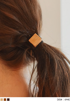 [ACC] WOOD CUBE HAIR STRING