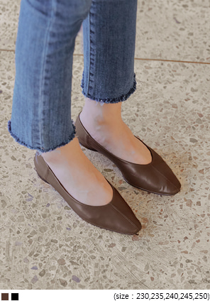 [SHOES] HAZ V LINE SQUARE FLAT SHOES