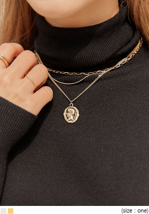 [JEWELRY] COIT 3 CHAIN LAYERED NECKLACE