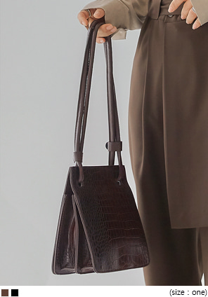 [BAG] BELIEF CROCODILE SQUARE LEATHER BAG