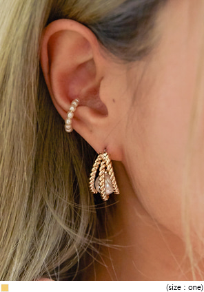 [JEWELRY] LIZY PEARL GOLD LAYERED EARRING