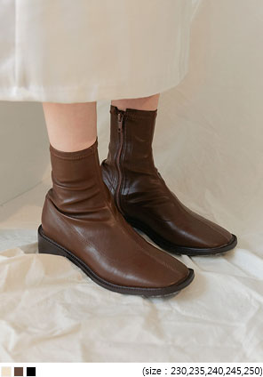 [SHOES] WOREN SQUARE ANKLE BOOTS